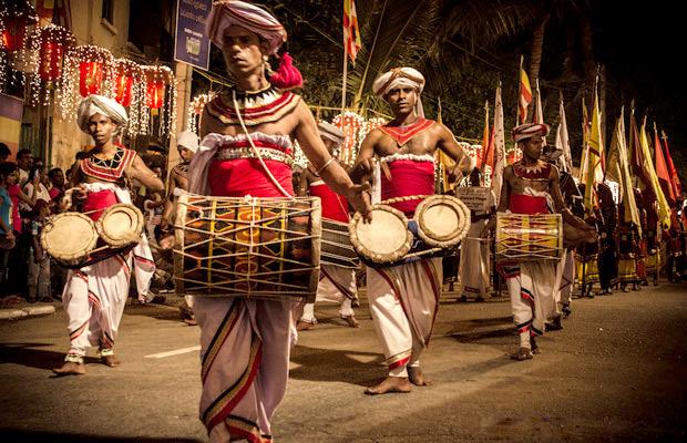 navam-perahera-festival-2015