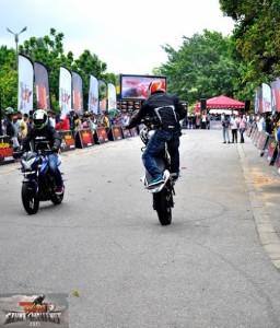 bike stunt (10)