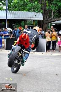 bike stunt (16)