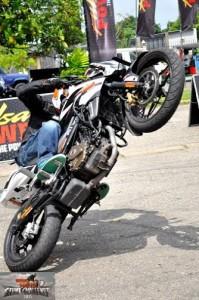 bike stunt (6)